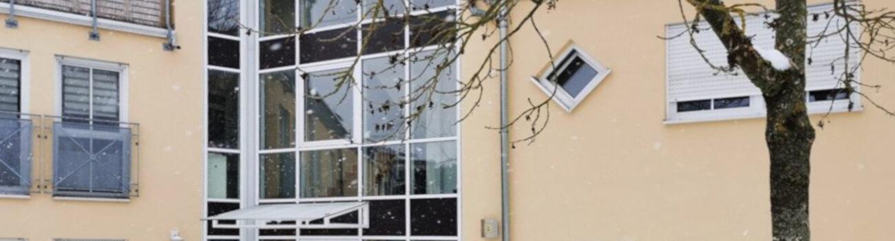 Helle, gemütliche Dachgeschosswohnung mit Balkon – RESERVIERT